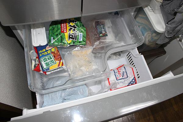 主人が深夜に食べるので、冷凍食品はいつも入っているはずでしたが(⌒-⌒; )